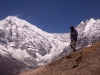Sarah waks down from the 5000 m hiill above Kyanjin Gompa
